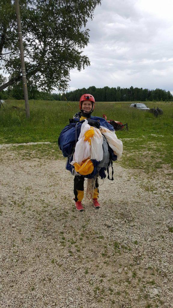 langevarjuhupe-1200-meetrilt